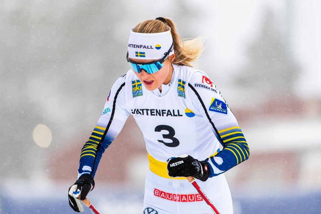 Louise Lindström tog brons på U23-VM-sprinten sedan första åkare i mål diskats. FOTO: Erik Mårtensson/Bildbyrån.