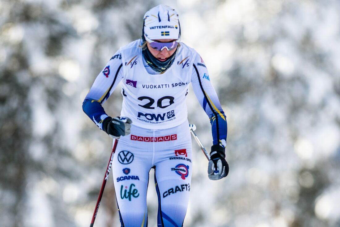 Louise Lindström åkte hem ett silver på 10 kilometer fri stil vid U23-VM i Vuokatti. FOTO: Tomi Mäkipää/Bildbyrån.