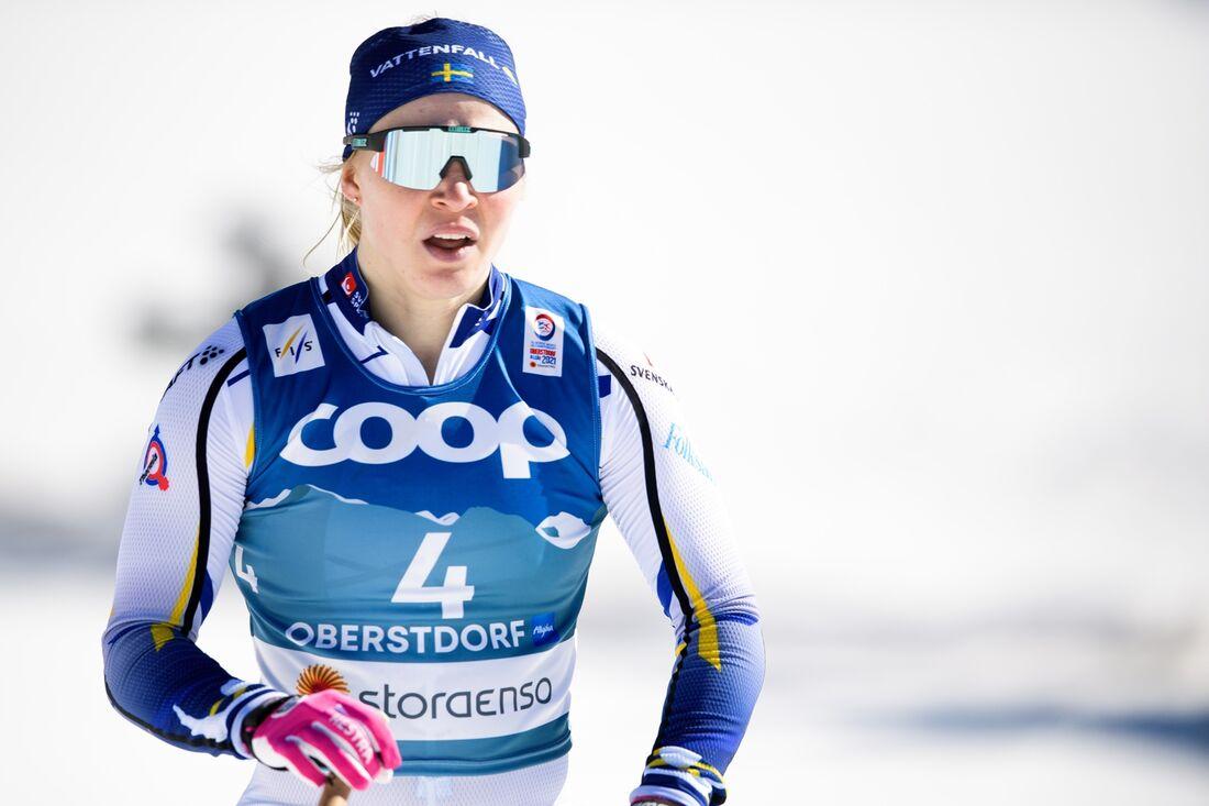 Nybakande individuella världsmästaren i sprint, Jonna Sundling, är avslutare i Sveriges damlag på söndagens teamsprint vid VM i Oberstdorf. FOTO: Johanna Lundberg/Bildbyrån.