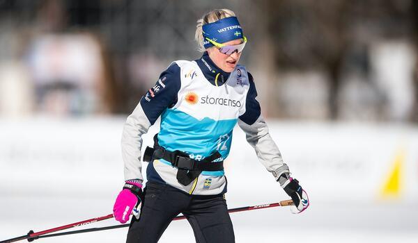 Frida Karlsson under måndagens uppladdning inför tisdagens 10 kilometer skejt vid VM i Oberstdorf. FOTO: Johanna Lundberg/Bildbyrån.