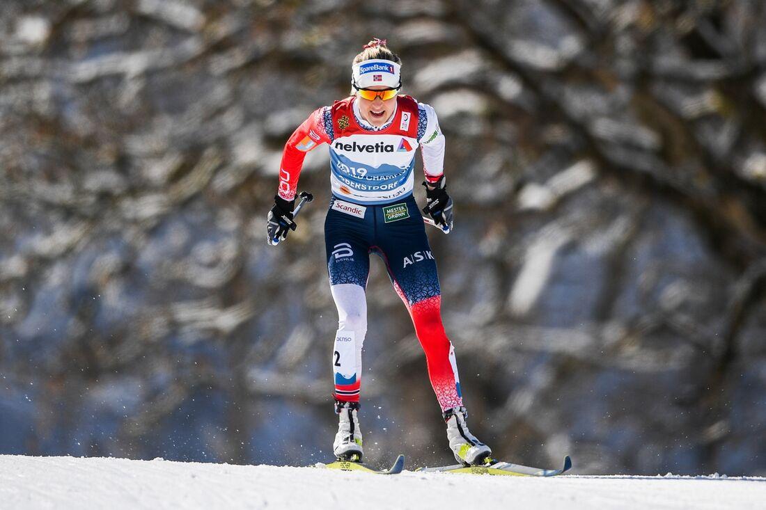 Therese Johaug på väg mot överlägset guld på tremilen vid VM i Oberstdorf. FOTO: Johanna Lundberg/Bildbyrån.