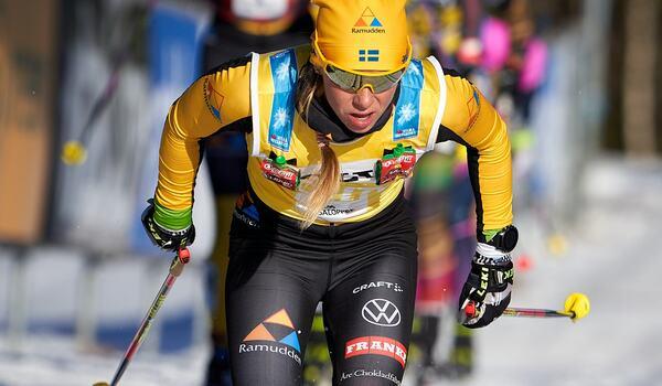 Lina Korsgren gillar långa distanspass och tuffa backintervaller. FOTO: Visma Ski Classics/Magnus Östh.