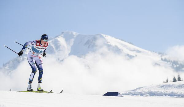 Kan Ebba Andersson ta sig förbi Jessie Diggins i distanscupen när världscupen avslutas i Schweiz till helgen? FOTO: Johanna Lundberg/Bildbyrån.