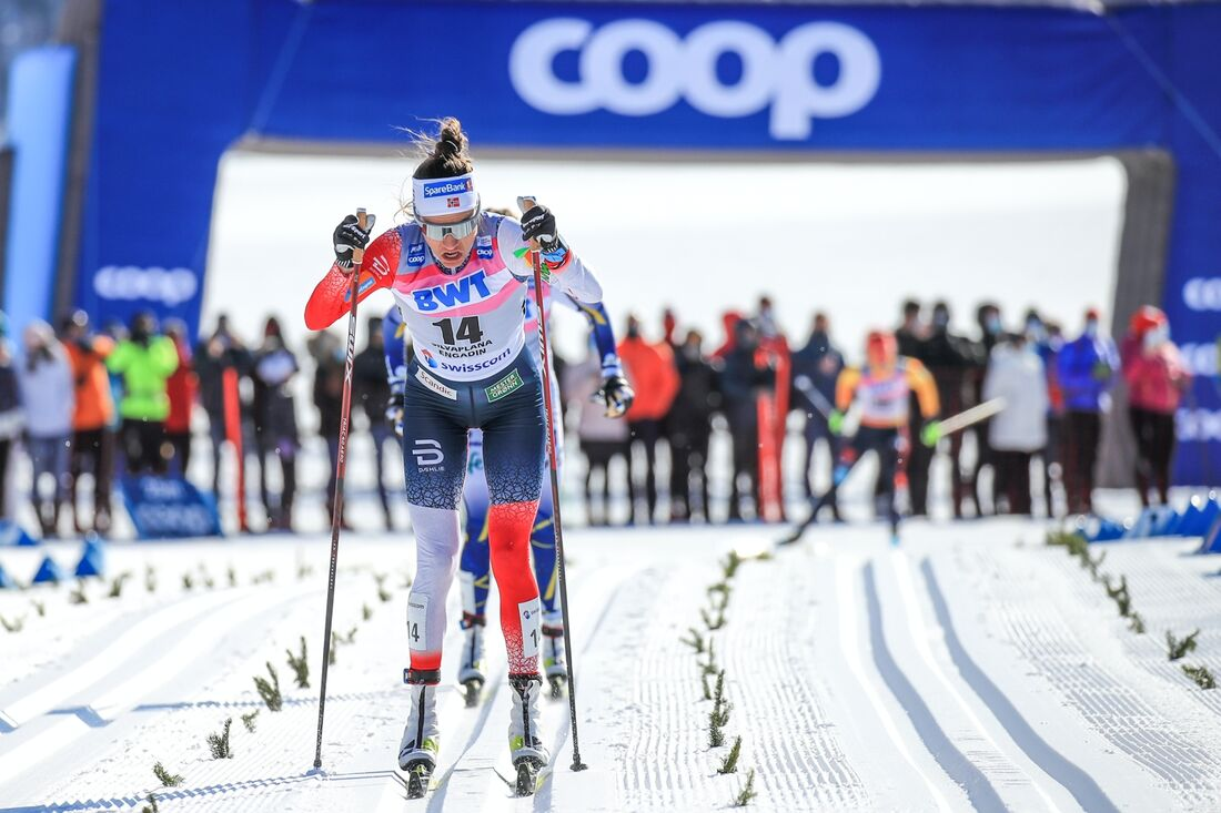 Heidi Weng vann jaktstartsloppet över tre mil som avslutade världscupsäsongen. FOTO: Mario Buehner, Gepa Pictures/Bildbyrån.
