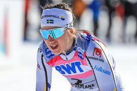 Ebba Andersson blev tvåa bakom Heidi Weng på säsongens sista världscuplopp i Schweiz. FOTO: Mario Buehner, Gepa Pictures/Bildbyrån.