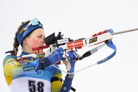 Stina Nilsson överraskade med att bara skjuta en bom i sin världscupdebut. Farten i spåret räckte dock inte till och hon slutade på 26:e plats. FOTO: Joel Marklund/Bildbyrån.