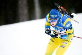 Sebastian Samuelsson gjorde en mycket stark sprint i Östersund på fredagseftermiddagen. Det räckte till andra plats fyra sekunder bakom italienaren Lukas Hofer. FOTO: Joel Marklund/Bildbyrån.