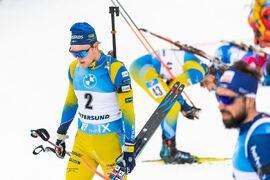Sebastian Samuelsson missade för många skott för att nå fram till en pallplats på jaktstarten i Östersund. Han fick nöja sig med fjärde plats idag. FOTO: Joel Marklund/Bildbyrån.
