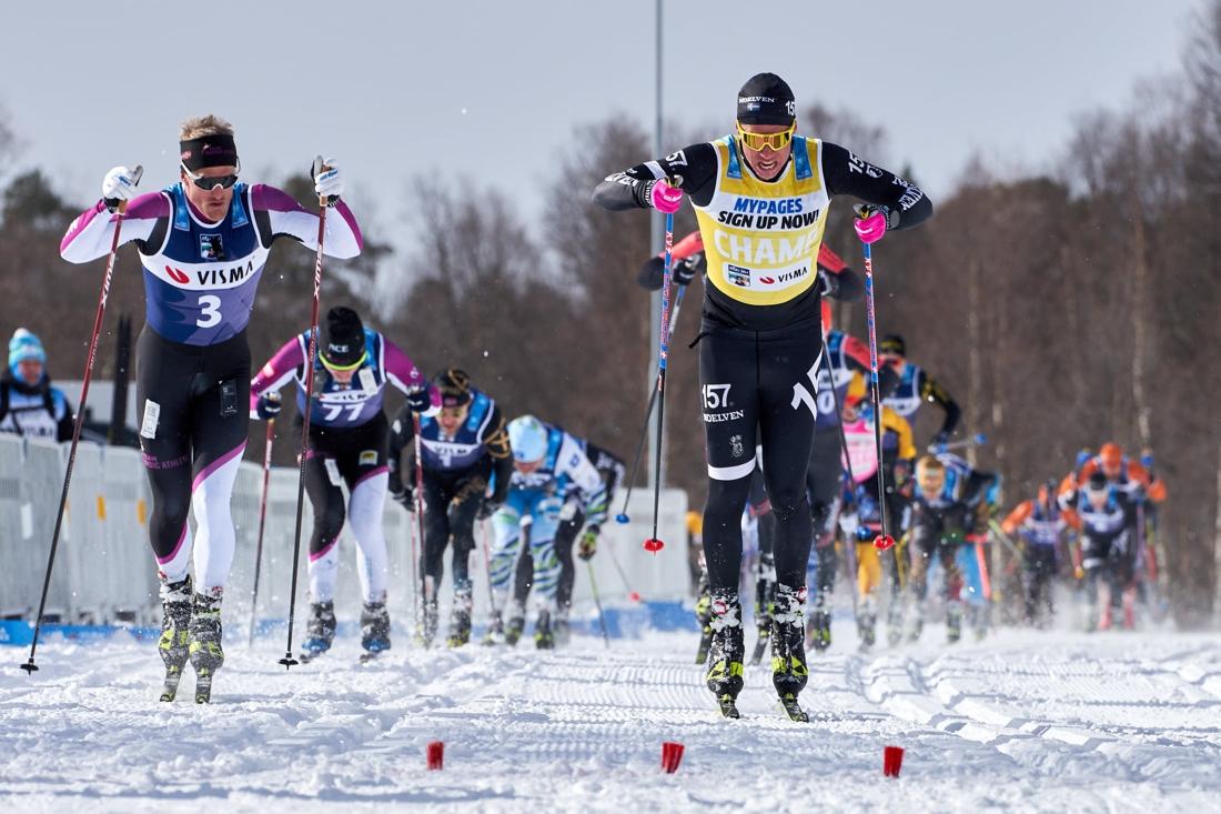 Emil Persson I tät spurt med Morten Eide Pedersen. FOTO: Visma Ski Classics/Magnus Östh.