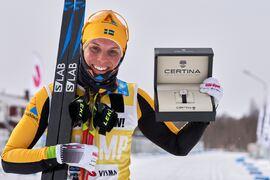 Lina Korsgren har totalsegern i Visma Ski Classics säkrad när hon ger sig ut på Årefjällsloppets tio mil i morgon bitti. Här är Lina efter säsongen femte seger i söndags. FOTO: Visma Ski Classics/Magnus Östh.