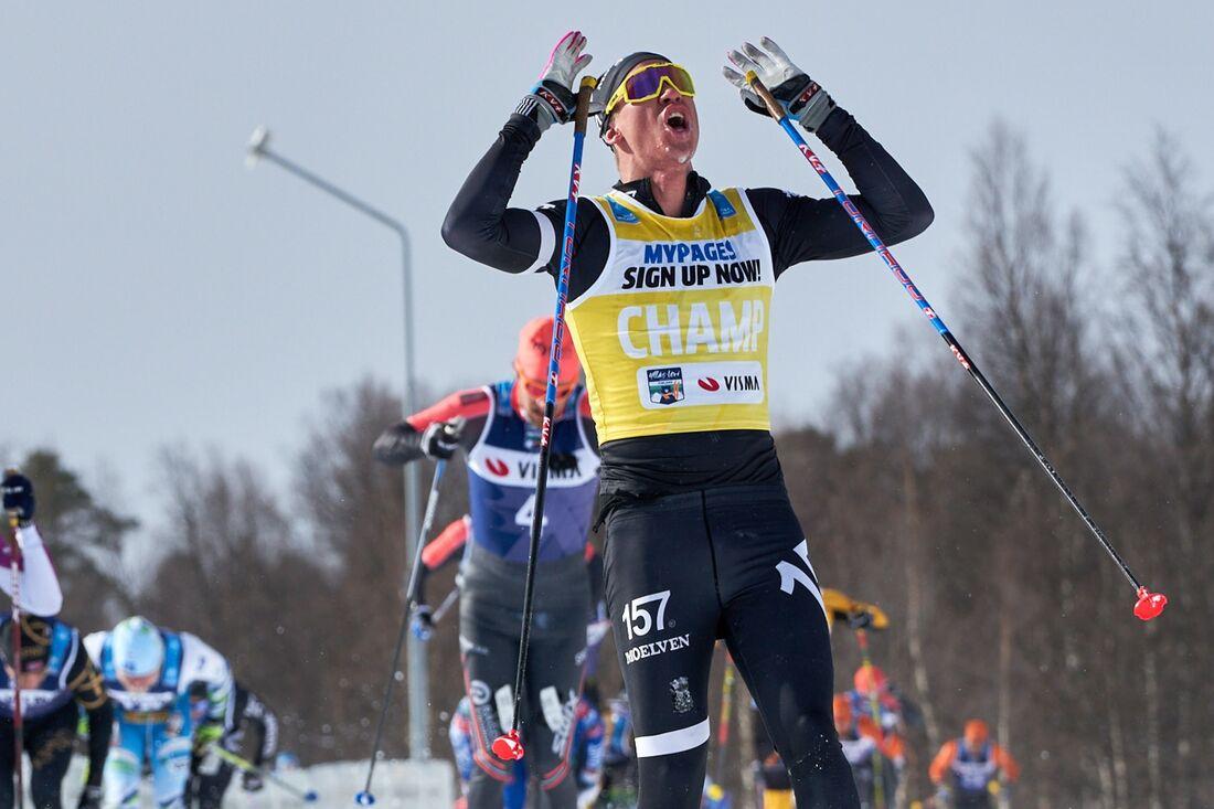 Om Emil Persson står på benen och fullföljer Årefjällsloppet i morgon blir han den första svenska totalsegraren i Visma Ski Classics på herrsidan. FOTO: Visma Ski Classics/Magnus Östh.