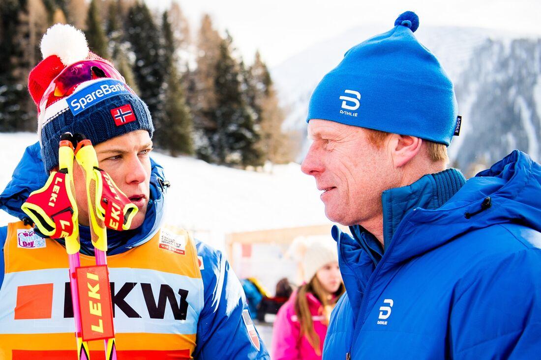 Björn Dählie, här tillsammans med Johannes Hösflöt Kläbo, tror att om det endast vore fri stil på världscupprogrammet så skulle intresset för längdåkning öka Europa. FOTO: Jon Olav Nesvold/Bildbyrån.
