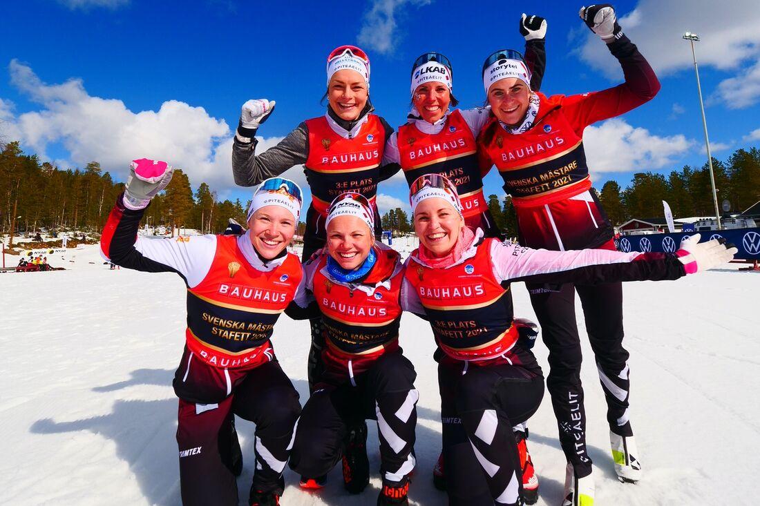 Guld- och bronsgänget från Piteå elit: Jonna Sundling, Sofia Henriksson, Emma Ribom, Lisa Vinsa, Charlotte Kalla och Ebba Andersson. FOTO: Hans Olsson.