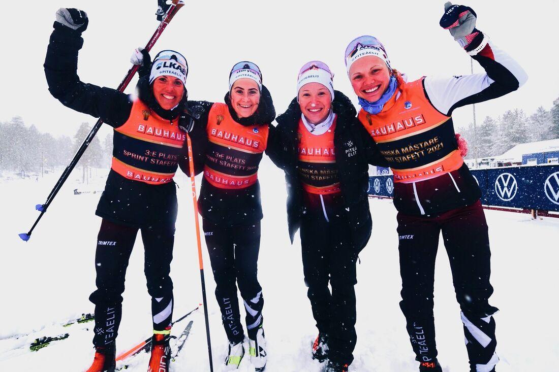 Piteå elits bronsduo Charlotte Kalla och Ebba Andersson och guldduo Jonna Sundling och Emma Ribom. FOTO: Hans Olsson.