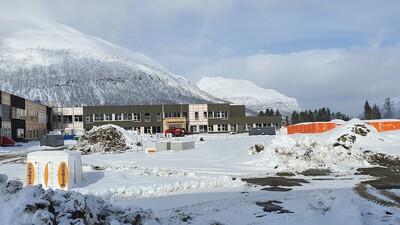 Skolegården for 5-7 sett fra syd._400x225.jpg