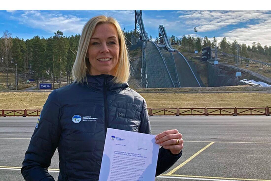 Ulrika Back Eriksson, kampanjledare för Svenska Skidförbundet med den formella ansökan. FOTO: Svenska Skidförbundet.