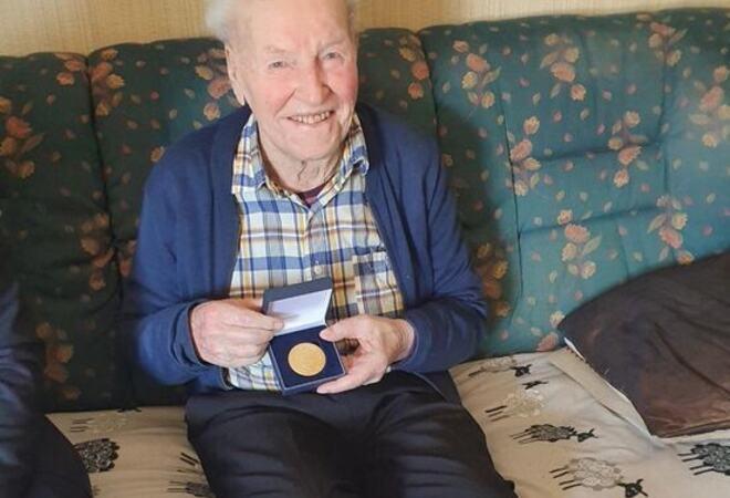 Einar Kvinen (2)