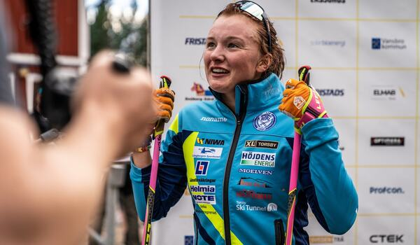 Skidskytten Linn Persson blir kvar i SK Bore men klubbens elitåkare i längdåkning lämnar på grund av klubbens ekonomiska läge. FOTO: Nicklas Olausson.