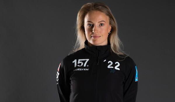 Thea Krokan Murud ser fram emot att tävla tillsammans med sina nya lagkompisar Britta Johansson Norgren och Hanna Falk i Lager 157 Ski Team i vinter. FOTO: Lager 157 Ski Team.