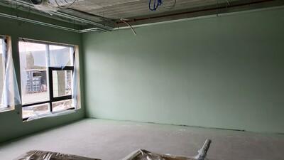 Noen klasserom har begynt å få farge_400x225.jpg