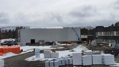 Utvidelsen av Barduhallen har fått vegger og tak_400x225.jpg