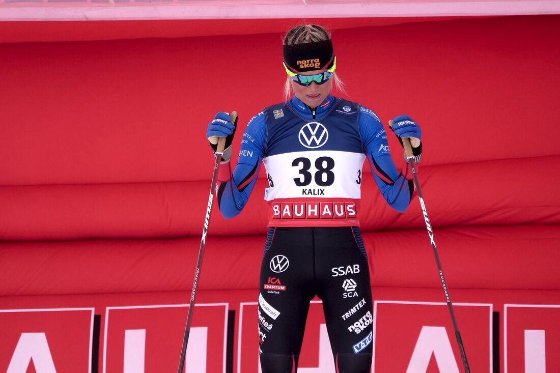 Frida Karlsson vid starten för SM-tremilen i våras. Ett lopp hon fick bryta på grund av fotproblem. FOTO: Hans Olsson.