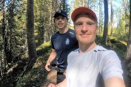 William Poromaa och Jens Burman tränar ihop i Åsarna-terrängen. FOTO: Instagram Jens Burman.
