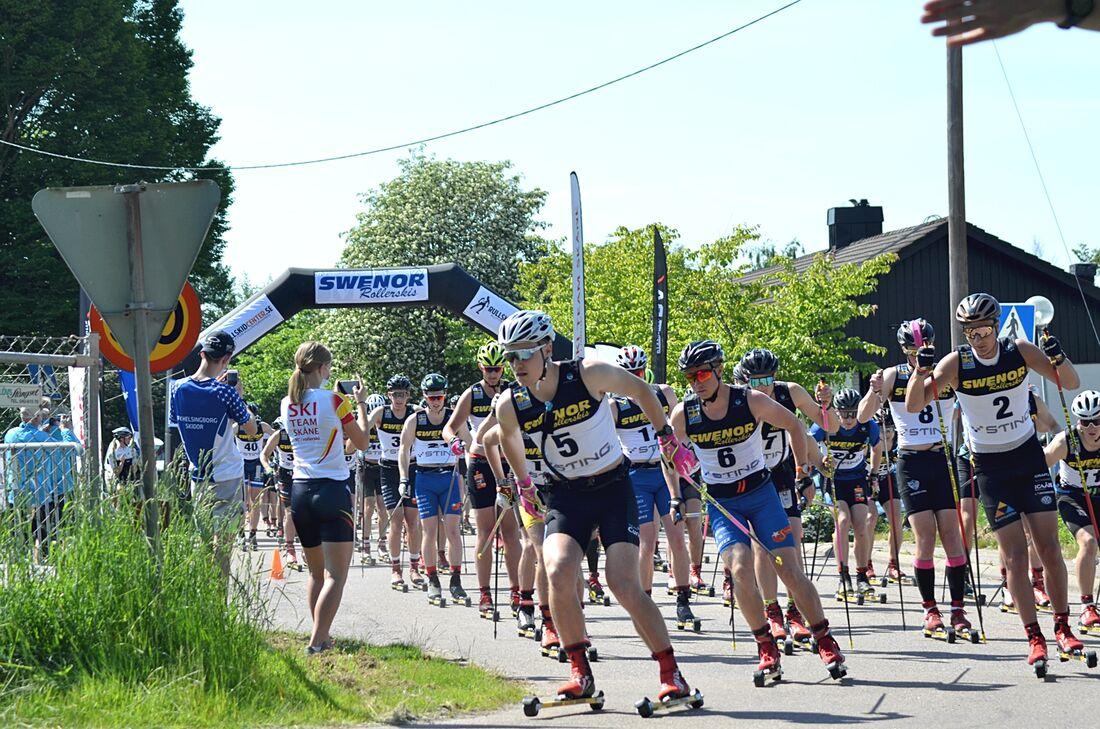 Gabriel Thorn, Team Curira, tog täten ut från starten vid Östra Karup, på 57 kilometer långa Båstad-Mölle. FOTO: Johan Trygg/Längd.se.