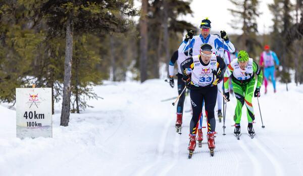 Teemu Virtanen siktar på att ta tillbaka världsrekordet på 24-timmars längdskidåkning i vinter. Rekordförsöket sker på Stockholms Stadion. FOTO: Richard Ström, Red Bull Content Pool.