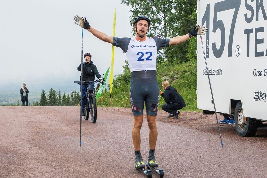 Oskar Kardin tog en klar seger på Grönklitt Double Poling Hill Climb på fredagskvällen. FOTO: Joel Bäckhem/Grönklittsgruppen.