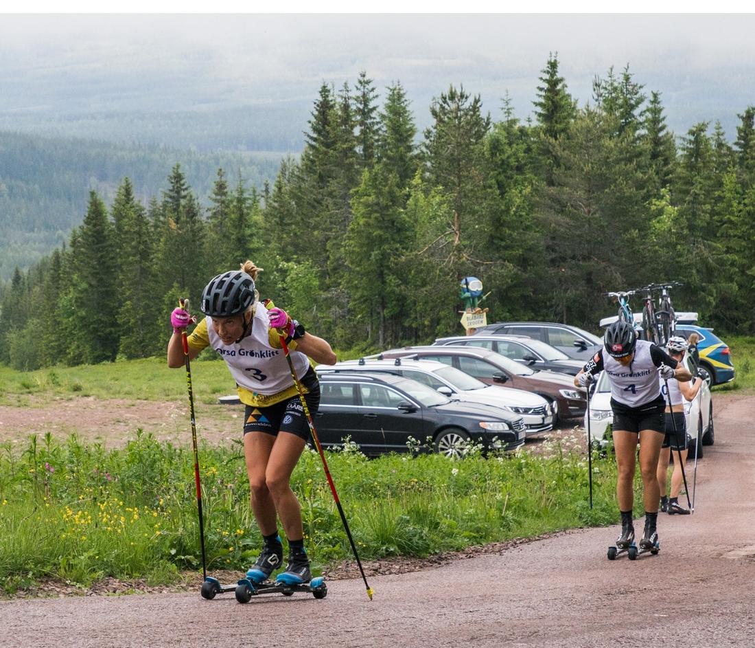 Ida Dahl ryckte ifrån Thea Krokan Murud strax före mål. FOTO: Joel Bäckhem/Grönklittsgruppen.