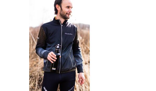 Team Eksjöhus kommer att tävla och träna i kläder från Trimtex. FOTO: Trimtex.
