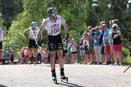 Iivo Niskanen visade fin sommarform när han tog hem Vuokatti Aateli Race. Här vinner Iivo prologen. FOTO: Touho Häkkinen.