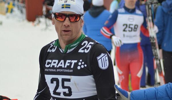 Oskar Svärd är gäst i nästa avsnitt av Visma Ski Classics podcast Orsa2Levi som publiceras i morgon lördag. FOTO: Johan Trygg/Längd.se.