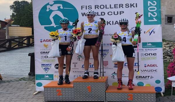 Linn Sömskar vann säsongens första världscuptävling på rullskidor, supersprint i Slovakien. FOTO: Svenska skidförbundet.