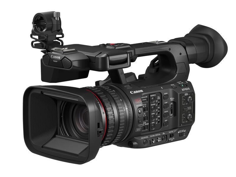 Canon XF605 er et håndholdt 4K videokamera for direktesendinger og opptak. Med mulighet til 4 lydkanaler, 15x optisk zoom og Canons Dual Pixel CMOS AF med øyeregistrering, samt mange ulike tilkoblingsmuligheter er dette et profesjonelt videokamera for mange krevende anledninger.