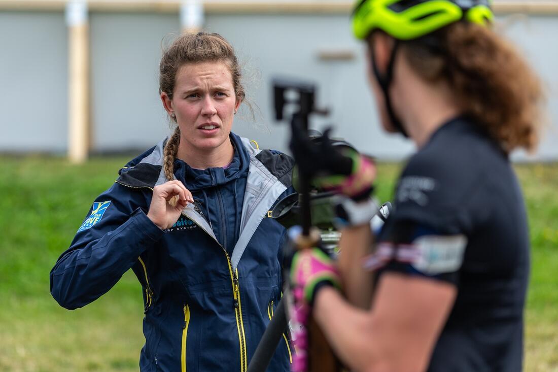 Elvira Öberg och Hanna Öberg är förstås två av favoriterna på dagens sprint vid SM i rullskidskytte i Sollefteå. FOTO: Per Danielsson/Projekt.P