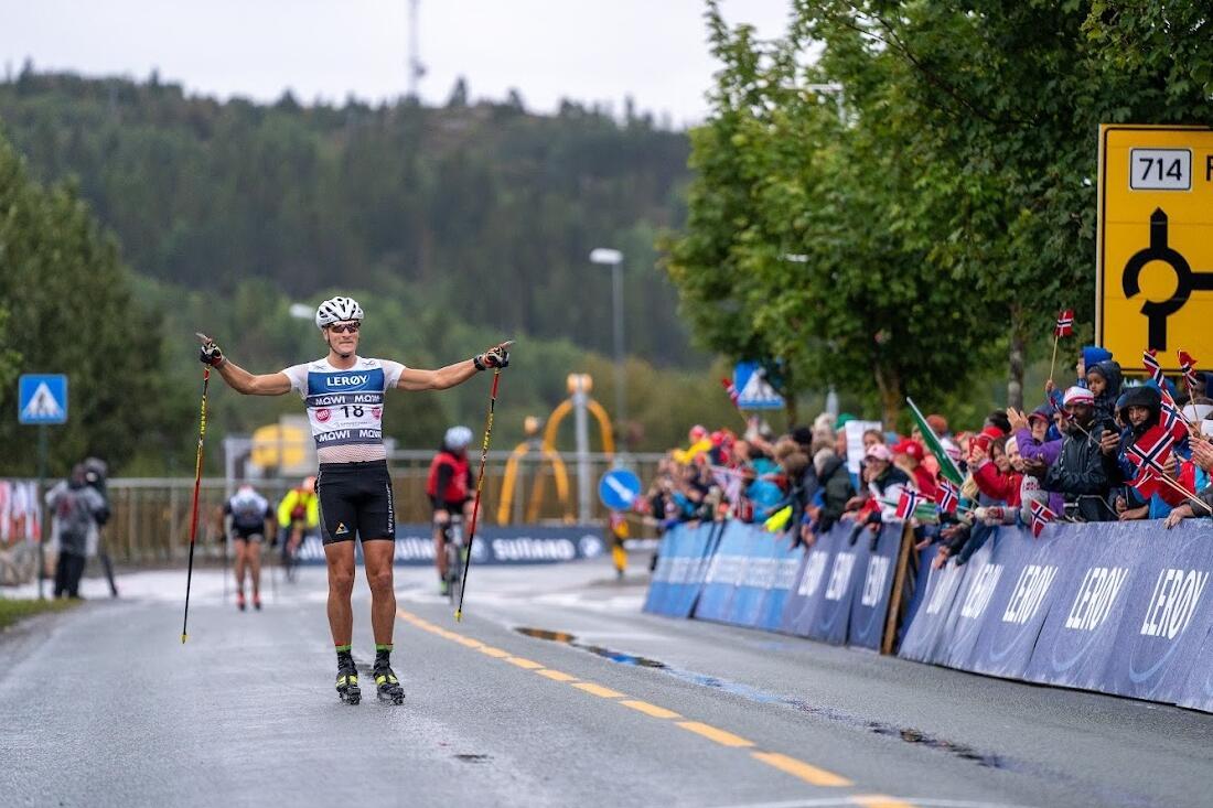 Max Novak i mål som vinnare på 55-kilometersloppet i Hitra. Var det starten på ett paradigmskifte? Det tror Erik Wickström. FOTO: Martin Riseth/Toppidrettsveka.