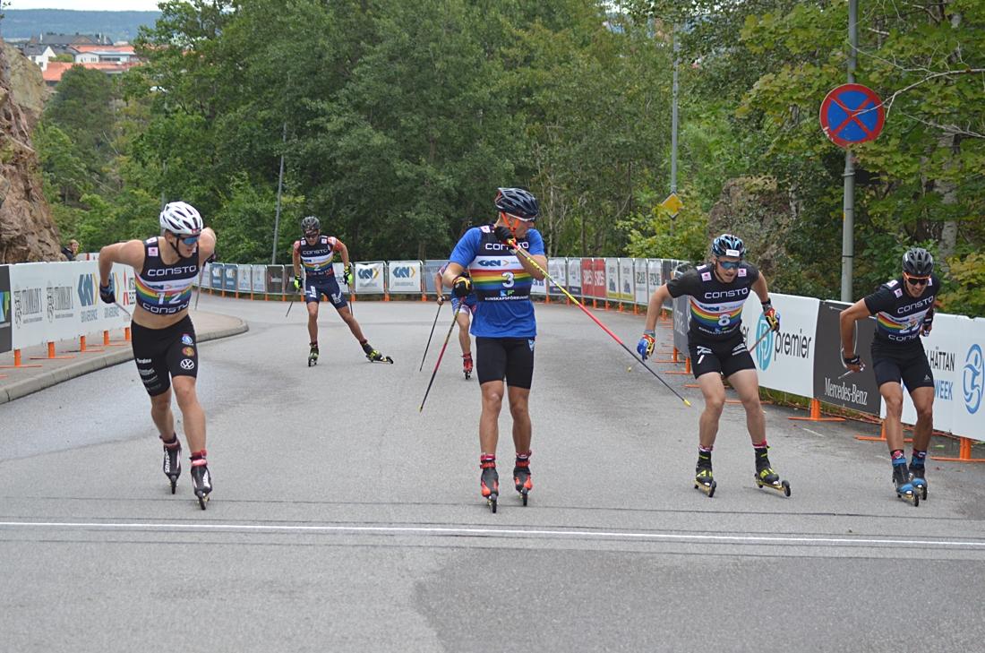 Edvin Anger, längst till vänster, vann semifinalen före Marcus Grate, Anton Persson och Roman Schaad. FOTO: Johan Trygg/Längd.se.