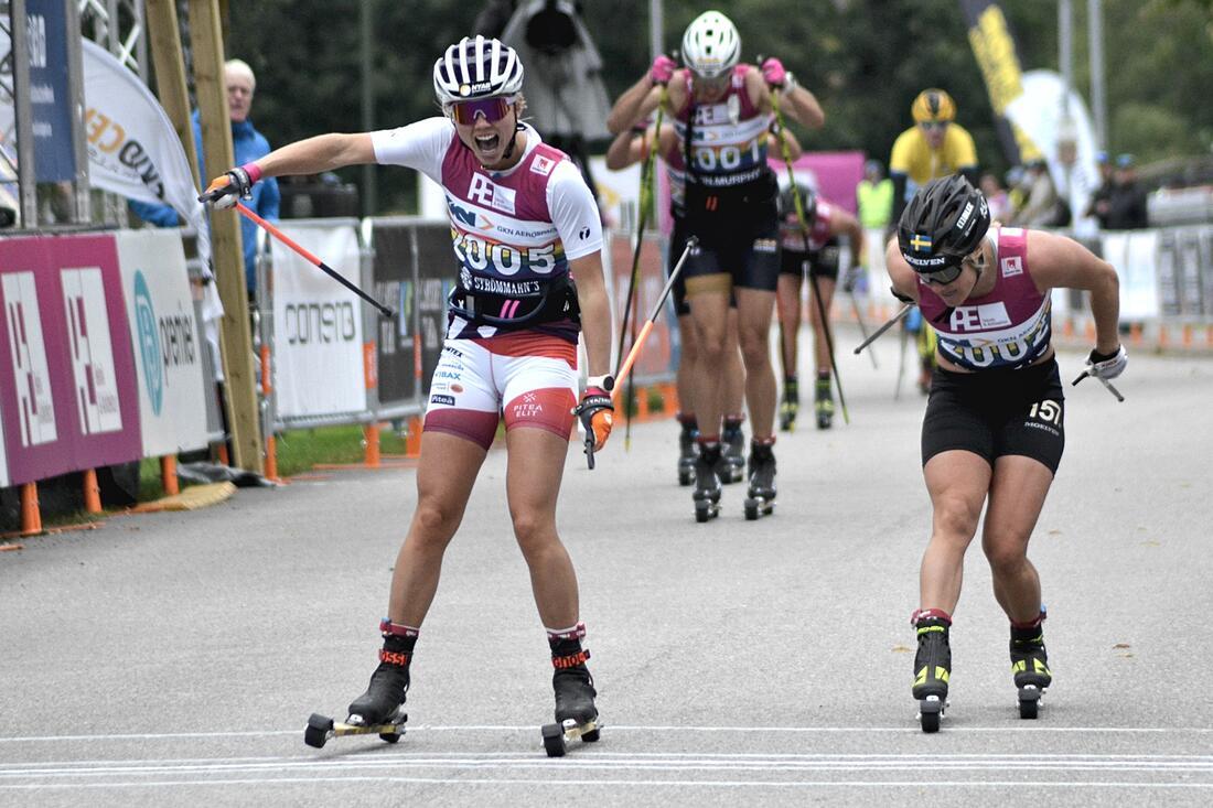 Emma Ribom vann Alliansloppet efter en stenhård upploppsstrid mot Hanna Falk. FOTO: Johan Trygg/Längd.se.