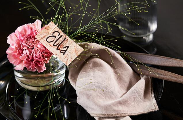 Bordkort-blomst-ella.jpg