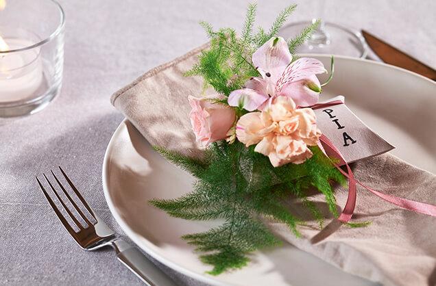 Bordkort-blomst-pia.jpg