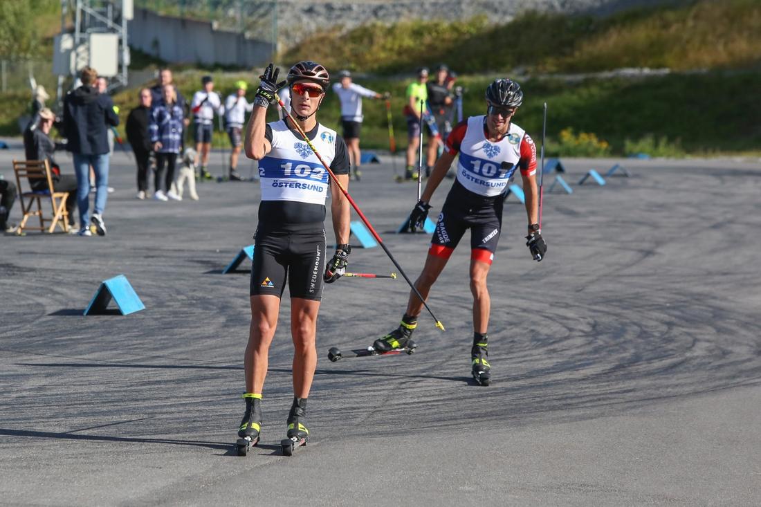 Max Novak säkrade segern strax före Oskar Kardin. FOTO: Östersunds SK