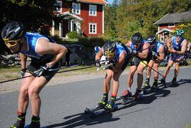 Full fart i tätklungan under Värnamorullen i lördags. FOTO: Marcus Nordin/Värnamorullen.