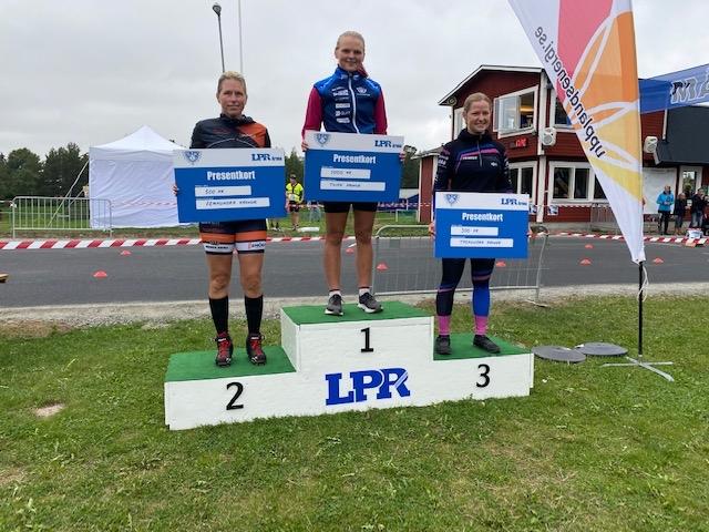 Dampallen med fr.v Carina Wärme, Josefine Söderqvist och Camilla Johansson. FOTO: Storvreta IK.