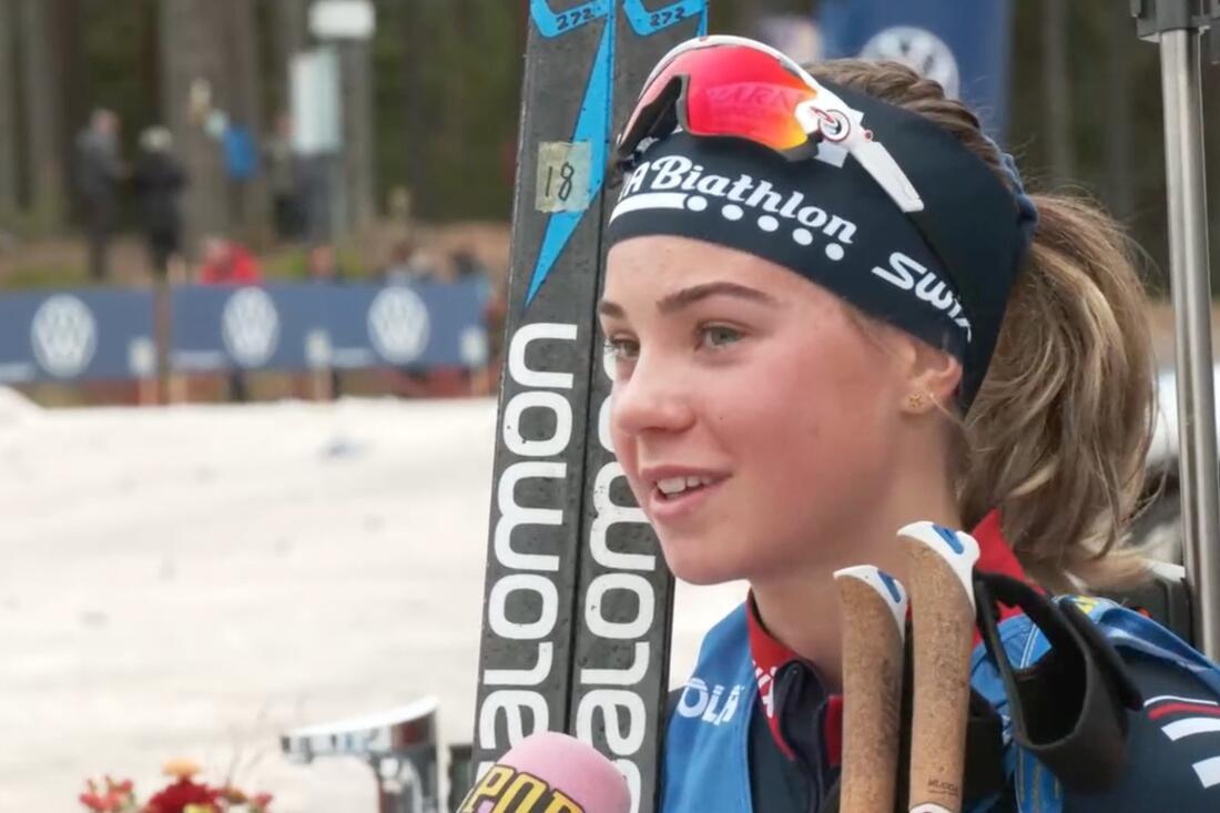 Junioren Sara Andersson vann den tidiga skidskyttepremiären på hemmaplan i Mora på lördagen. FOTO: Från Aftonbladets sändning.