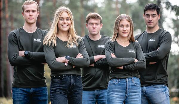 Elias Andersson, Hanna Abrahamsson, Filip Rosjö, Hilda Löf och Simon Jonsson bildar ett nytt Pro Team i Visma Ski Classics - Ski Team Göhlins. FOTO: Kent Malm, Hestra Gloves.
