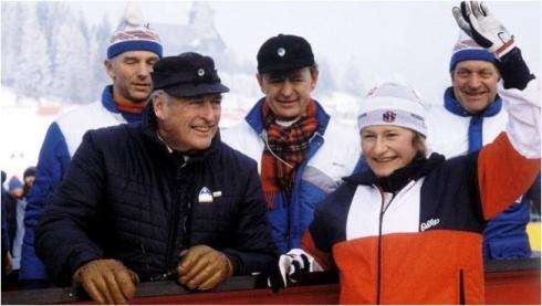 Berit_Aunli_og_Kong_Olav_1982_artikler