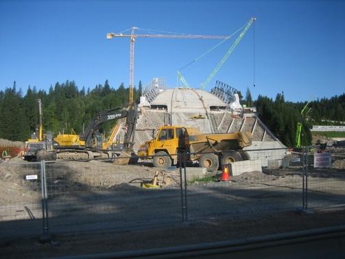 Bygging av Holmenkollhoppet, aug09