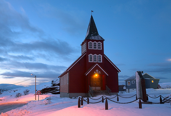 Breivikbotn kirke - Copyright Anne Olsen-Ryum